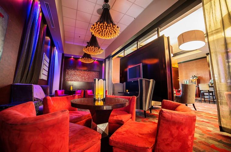 Platinum Hotel, Lounge